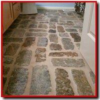 Cobblestone floor tile